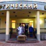 В ЦГКБ Реутова доставили дополнительные душевые кабины для дезинфекции